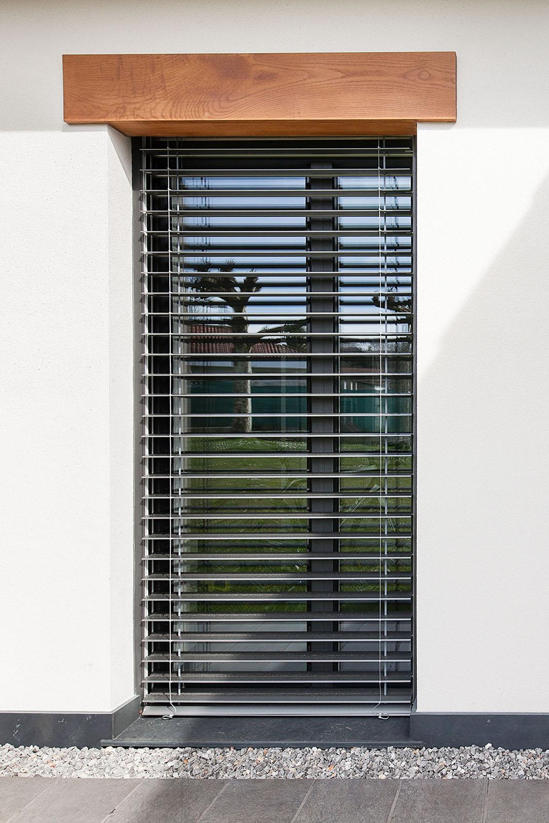 te molesta la entrada del sol a tu vivienda, personaliza tus elementos de protección solar